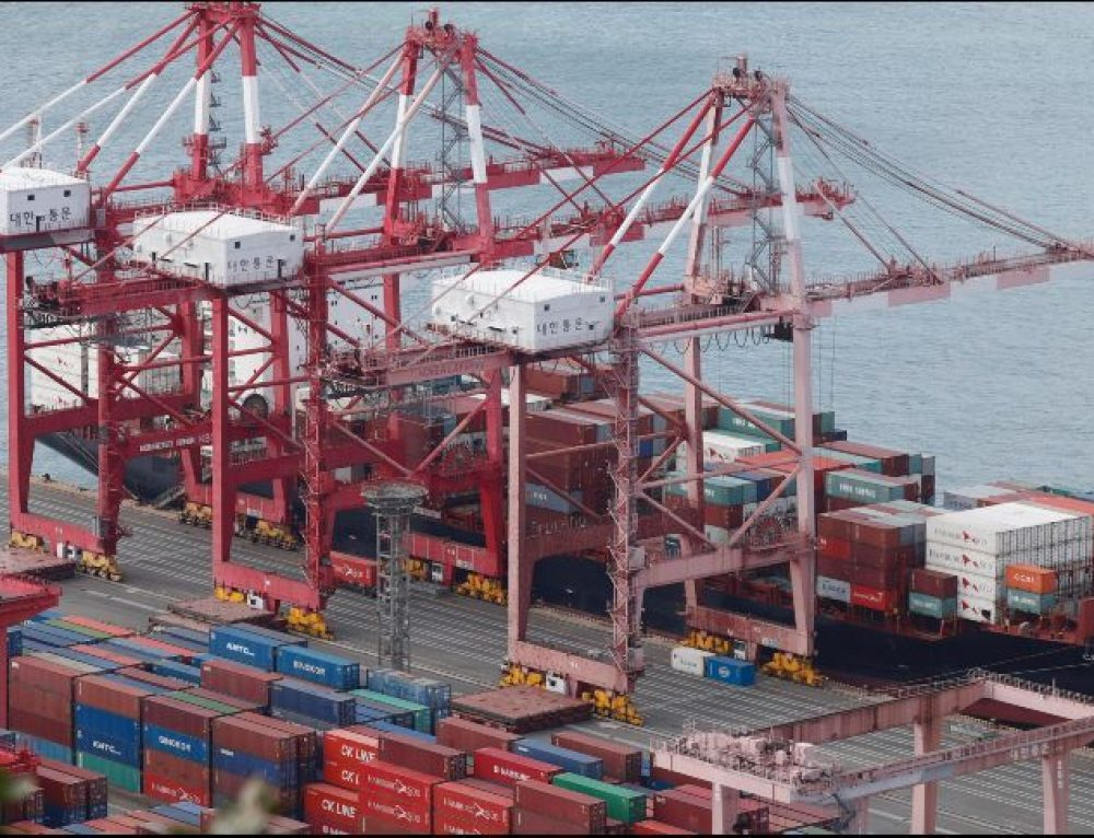 México reduce su déficit comercial en 2017
